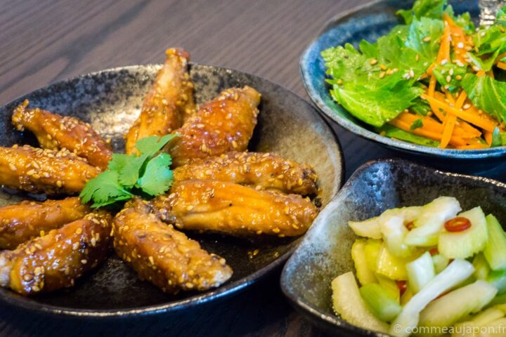 Tebasaki – Ailes de poulet sauce soja caramélisée et graines de sésame
