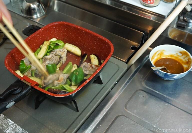 porc aubergine miso etape cuisson 3 Sauté de porc, aubergines et poivrons verts sauce miso piquante