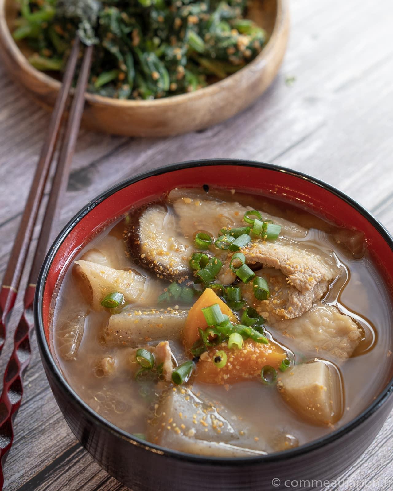 tonjiru 2 of 2 Tonjiru - Soupe miso au porc et légumes